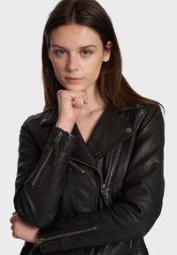 Oakwood - SAMANTHA  - Leather jacket - black - 3