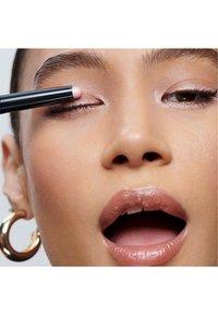 Bobbi Brown - LONG WEAR CREAM SHADOW STICK - Eye shadow - pink sparkle - 1