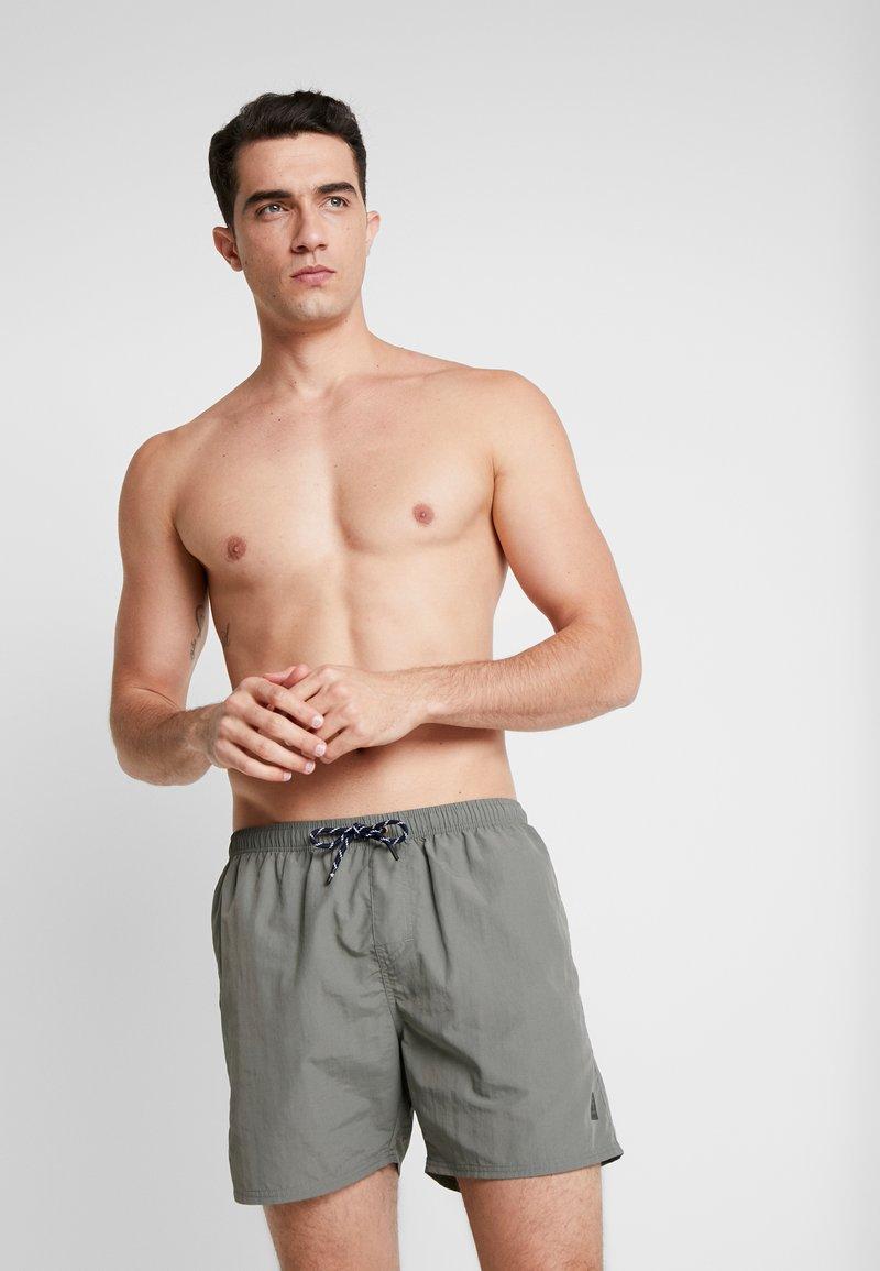Brunotti - HESTER MENS SHORTS - Plavky - greyish green