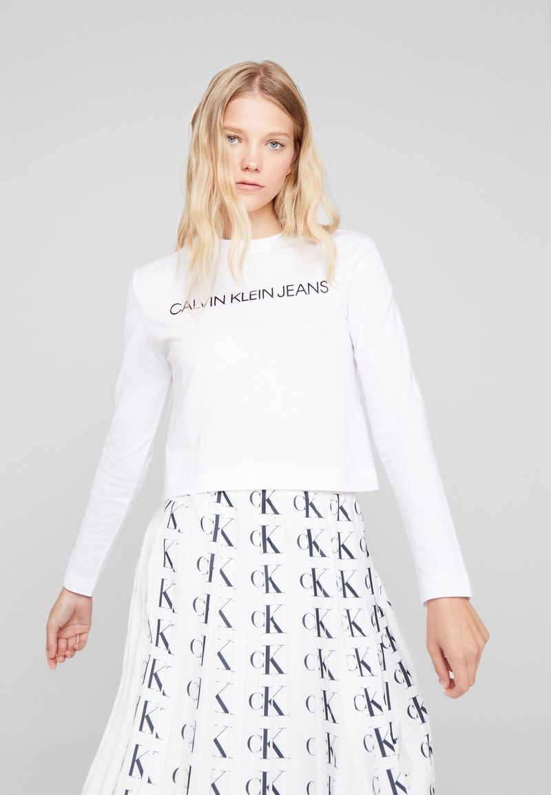 Calvin Klein Jeans - INSTITUTIONAL LOGO CROP - Long sleeved top - bright white