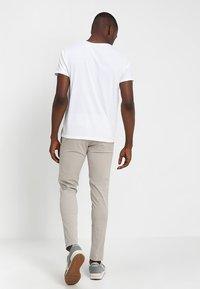 GANT - SHIELD - T-shirt med print - white - 2
