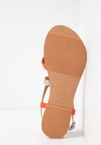 New Look - HAMMOCK - Sandály s odděleným palcem - orange/yellow - 6