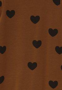 Mini Rodini - BABY HEARTS UNISEX - Jumpsuit - brown - 2