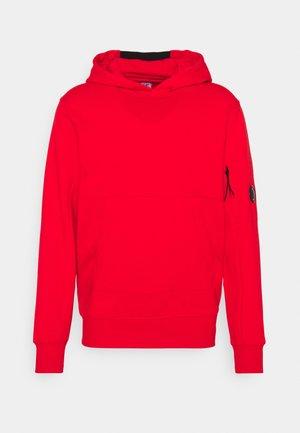 DIAGONAL RAISED HOODED - Collegepaita - fiery red
