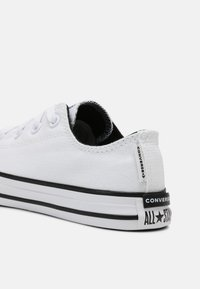 Converse - CHUCK TAYLOR ALL STAR UNISEX - Trainers - white/black - 4