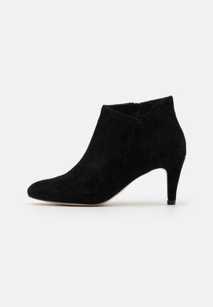 LEATHER - Ankelboots - black