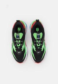 Puma - FAST - Sneakers laag - black/elektro green/high risk red - 3