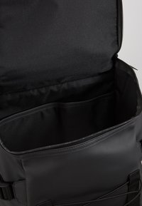Rains - MOUNTAINEER BAG - Rygsække - black - 4