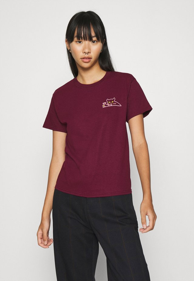 UP ALL NIGHT - T-shirt con stampa - maroon