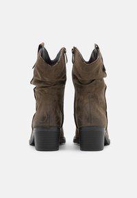Tamaris - BOOTS - Cowboy/biker ankle boot - olive - 3