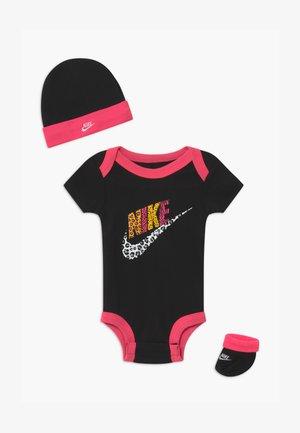 LEOPARD FUTURA SET UNISEX - Baby gifts - black