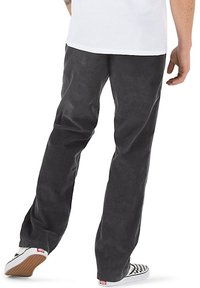 Vans - MN AUTHENTIC CHINO CORD RELAXED PANT - Trousers - asphalt - 1