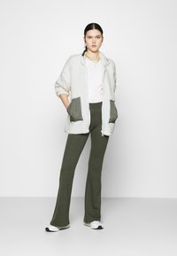 Nly by Nelly - COLORBLOCK JACKET - Winter jacket - creme - 1