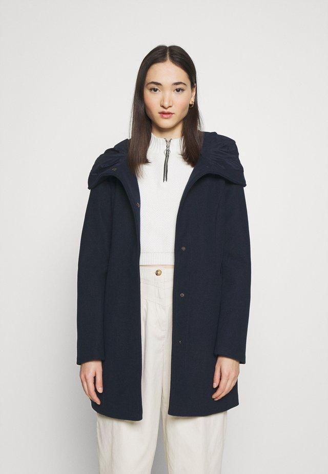 VICANA HOOD  - Abrigo corto - navy blazer