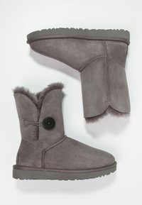 UGG - BAILEY BUTTON II - Classic ankle boots - grey - 2