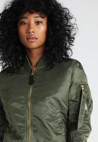 Alpha Industries - Bomber Jacket - sage green/gold - 3