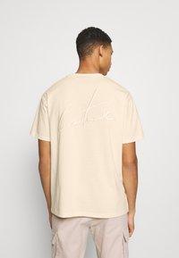 The Couture Club - OVERSIZED - Print T-shirt - ecru - 0