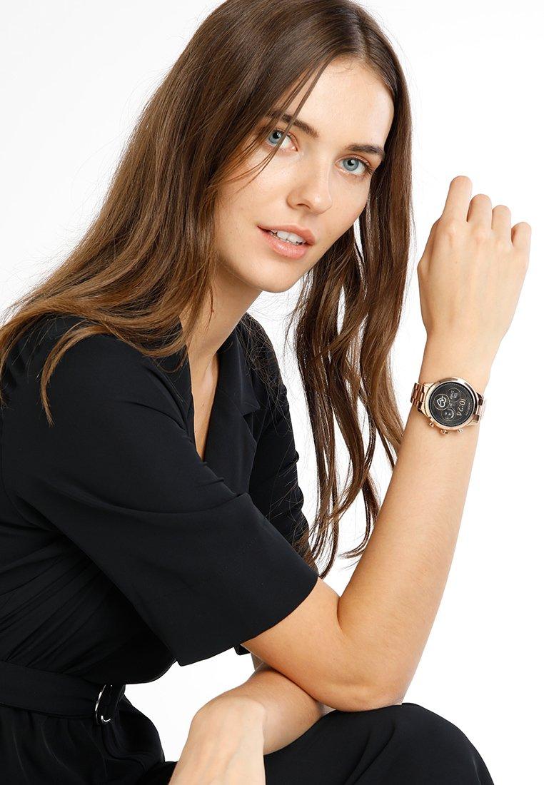 2020 New New Lower Prices Accessories Michael Kors Access RUNWAY Smartwatch roségold-coloured EPBiBTwoY 8VErNykkG