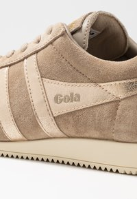 Gola - HARRIER MIRROR - Sneakersy niskie - cappuccino/gold