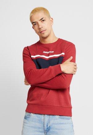 JORCAINE  - Sweatshirt - brick red
