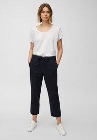 Marc O'Polo - Basic T-shirt - white linen - 1