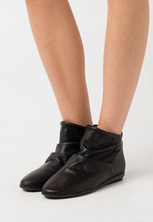 Kotníkové boty - atenea