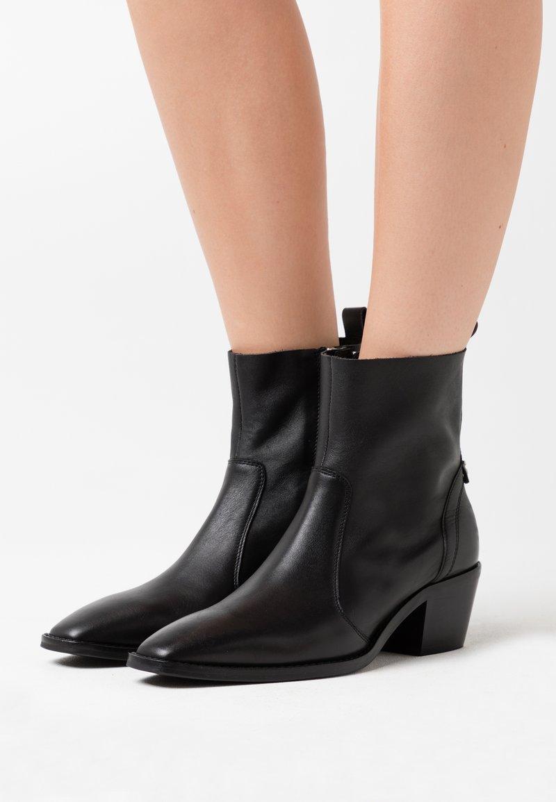 Gioseppo - HOUYET - Kotníkové boty - black