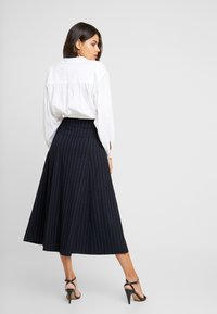 IVY & OAK - MIDI GODET SKIRT - A-line skirt - navy blue - 2