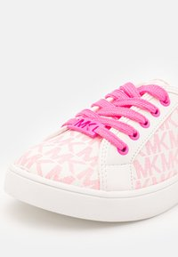 MICHAEL Michael Kors - JEM MIRACLE - Trainers - white/neon pink - 5