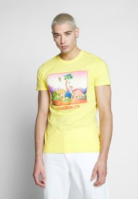 Bioworld - LAND BEFORE TIME TEE - Printtipaita - yellow - 0
