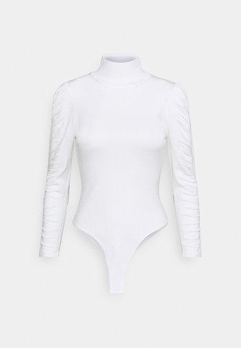 ROUCHED SLEEVE BODYSUIT - Topper langermet - white