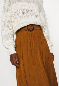 Soyaconcept - SC-PAMELA 26 - A-snit nederdel/ A-formede nederdele - dark caramel - 4