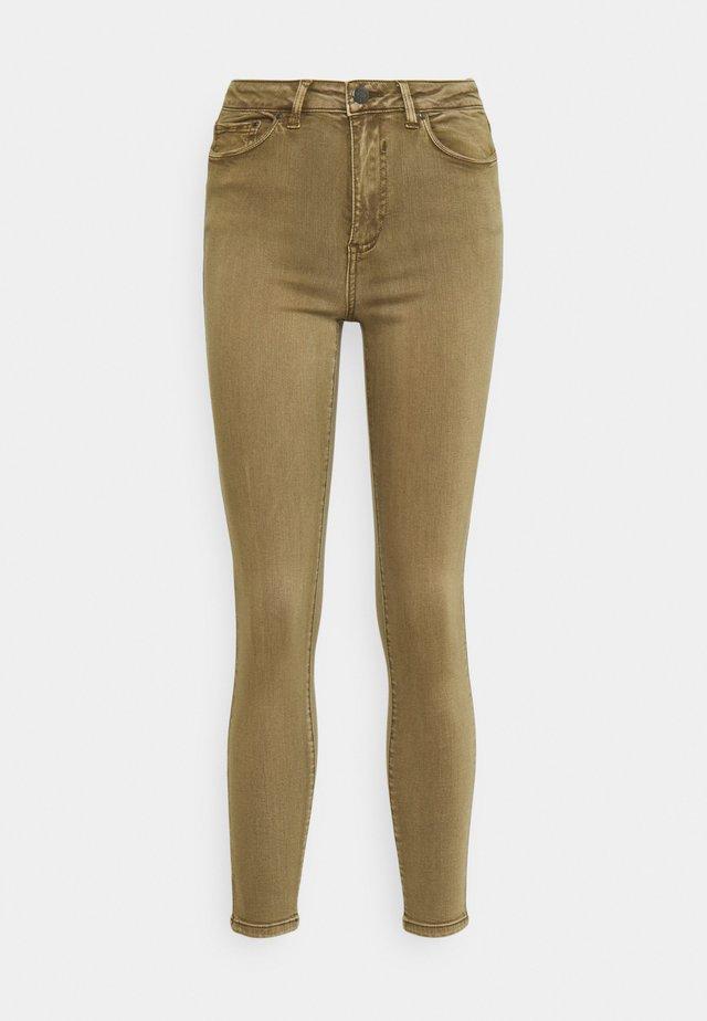 VIAMY PIGMENT DYE - Jeans Skinny Fit - butternut