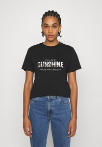 ONLY - ONLTRACY - Print T-shirt - black - 0