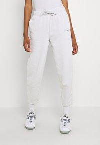 Nike Sportswear - Pantalones deportivos - platinum tint - 0