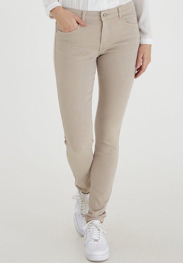 LOLA LUNI  - Jeans slim fit - cement