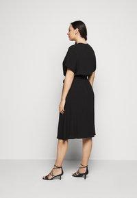 Selected Femme Curve - SLFENNA DRESS - Vapaa-ajan mekko - black - 3