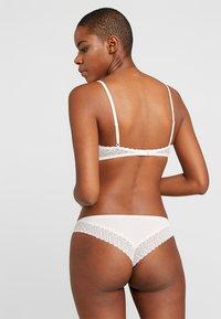 Calvin Klein Underwear - FLIRTY BRAZILIAN - Braguitas - nymphs thigh - 2