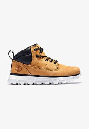 TREELINE MID - Zapatos con cordones - wheat
