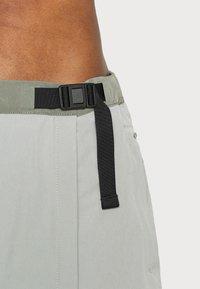 The North Face - PARAMOUNT SKORT - Sports skirt - dark grey/olive - 6