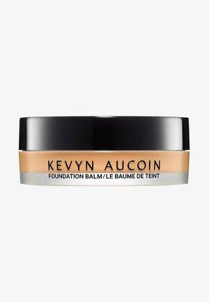 KEVYN AUCOIN FOUNDATION THE FOUNDATION BALM - LIGHT FB 5.5 - Foundation - -