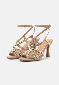 Alma en Pena - High heeled sandals - vison - 2