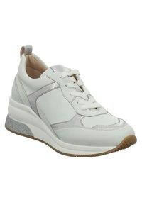 Gerry Weber - AFFI - Sneakers laag - weiss-silber - 2