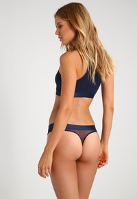 Tommy Hilfiger - SHEER FLEX THONG - G-strenge - navy blazer - 2