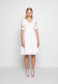 Apart - DRESS - Robe de soirée - cream - 1