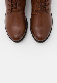TOM TAILOR DENIM - Lace-up ankle boots - cognac - 5