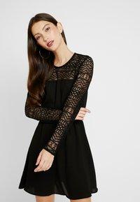 ONLY - ONLDEMI SHORT DRESS - Robe d'été - black - 0