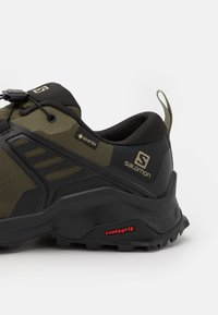 Salomon - X RAISE GTX - Chaussures de marche - grape leaf/black - 5