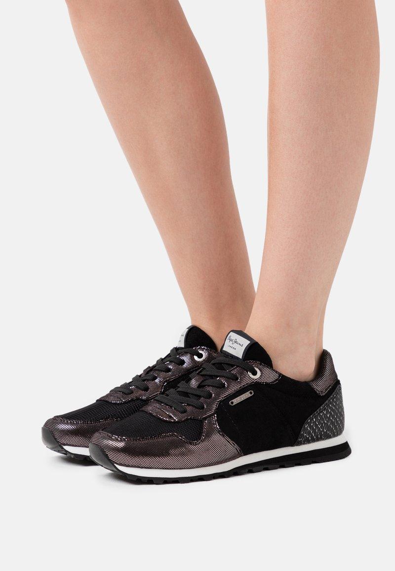 Pepe Jeans - VERONA TOP - Zapatillas - black