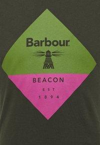 Barbour Beacon - DIAMOND TEE - T-shirt med print - forest - 2